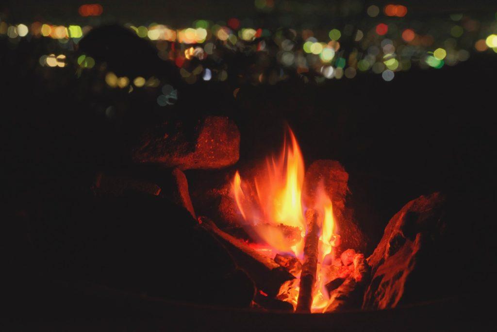 焚火・バーベキューコンロの火をきちんと消す