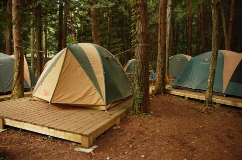 テント・タープなどの設営